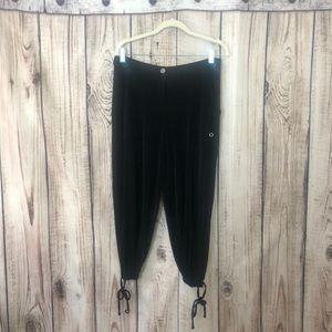 Chico's Black Silky Cargo Capri Style Pants Small